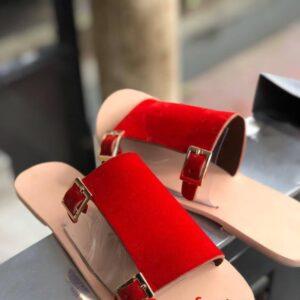 Plain sole with suwed 4k